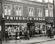Stadtarchiv Pasch Maria Theresien Strasse
